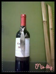 Mis diy: Una Botella de vino vestida para regalar, checa como los pequeños detalles hacen lucir aún mas un sencillo regalo