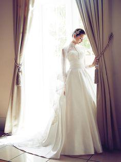 アクア・グラツィエがセレクトした、LUISA(ルイザ)のウェディングドレス、LU51107をご紹介いたします。