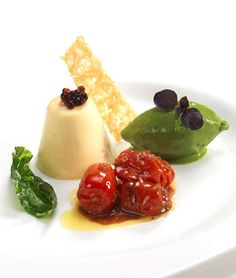 Parmesan panna cotta, tomato compote, caviar and basil sorbet - basil . Love Eat, Love Food, Sorbet, Panna Cotta, Tapas, Parmesan, Dinner Party Starters, Appetisers, Clean Eating Snacks