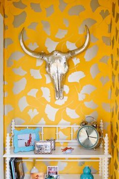 Kristy Socarras Bigelow mounts her Z Gallerie silver cow skull with tropical flair. Painted Cow Skulls, Bull Skulls, Tudor House, Mellow Yellow, Bright Yellow, Yellow Fever, Yellow Turquoise, Blue Yellow, Bright Colors