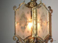precioso y antiguo farol de bronce trabajado cristales laterales tallados a mano como nuevo