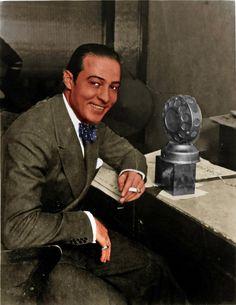 Rudolph Valentino makes a recording