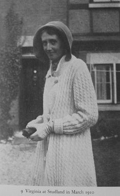 Virginia Woolf in Studland in March of 1910 Virginia Woolf, Book Writer, Book Authors, Duncan Grant, Vanessa Bell, Bloomsbury Group, English Writers, Georgia Okeefe, Writers And Poets