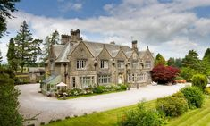 Welcome to Richmond Apartment in Windermere, Lake District. This self catering holiday apartment sleeps six people and has parking for 2 cars. Holiday Apartments, Luxury Apartments, Richmond Apartment, Windermere Lake, Duplex Apartment, Cornices, Oak Panels, Panelling, Cumbria