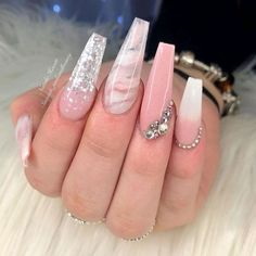 What you need to know about acrylic nails - My Nails Bling Acrylic Nails, White Acrylic Nails, Best Acrylic Nails, Bling Nails, Swag Nails, Coffin Nails, Marble Nails, Pink Marble, Glitter Nails