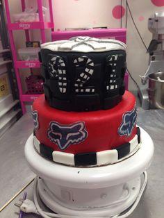 Fox Racing Cake Racing Cake, Fox Racing, Dirt Bike Cakes, Birthday Ideas, Birthday Parties, Bike Style, Party Time, First Birthdays, Evans