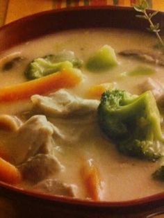 Easy crockpot recipes: Chicken Vegetable Chowder Crockpot Recipe