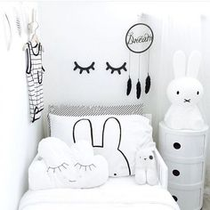 Black, white and lots of bunnies! What a cute monochrome kids room.