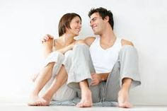 5 Qualities of Women That Attract Men : Women want to be attractive but of course to be irresistible you must posses the qualities of women that attract men. Having the qualities that men are looking for is an advantage if you want to capture the attention of the opposite sex. Men and women think and behave differently, to attract men you need to put yourself in a man's perspective.