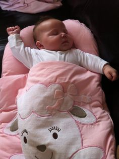 Baby Elsie is Soooooo Cosy! Mum Beth says that baby Elsie loves her Cotton Candy Baby Nap Mat! Doesn't she look comfy and contented? Our thanks to mum Beth for allowing is to share this photo of gorgeous baby Elsie, fast asleep and looking as if she's having a nice dream. ♥ http://www.facebook.com/NonnasBaby