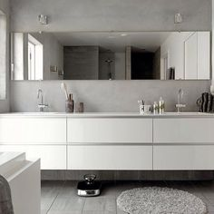 baderom inspirasjon bilder - Google-søk Bathroom Bath, Bathroom Toilets, Bathroom Inspo, Master Bathroom, Interior Decorating, New Homes, Eilat, Interiors, Design