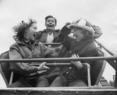 vintage everyday: Interesting Vintage Pictures Show Funny Moments of People Riding on Roller-Coasters