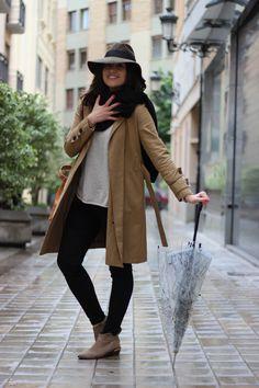 Look_bajo la lluvia_rojovalentino (2)