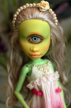 All Monster High Dolls, Monster High Custom, Monster Dolls, Monster High Repaint, Ooak Dolls, Art Dolls, Make A Character, Bride Of Frankenstein, Polymer Clay Dolls