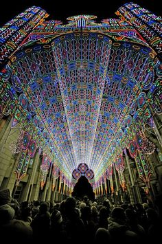 At this year's Ghent Light Festival in Belgium, the Italian family business, Luminarie De Cagna erected a gigantic colonnade as the symbolic entrance to the festival.
