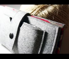 Iphone wallet - 100% merino wool felt.