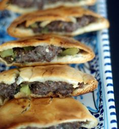 Egyptian Meat Sandwich (Hawawshi) Recipe - A Delicious Traditional Egyptian Beef Sandwich Recipe - Baked Not Fried Beef Recipes, Cooking Recipes, Egyptian Food, Egyptian Bread, Egyptian Recipes, Sandwiches, Meat Sandwich, Salad Sandwich, Empanadas