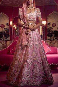 Lehenga Dupatta, Pink Lehenga, Bridal Lehenga, Anarkali, Lehnga Blouse, Sabyasachi, Sarees, Dress Indian Style, Indian Dresses