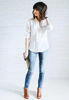 "I don't think we could have finished on a more ""unfancy"" outfit. A white tee and jeans. Finished out with a front tuck, rolled jeans, ""no makeup"" Mode Outfits, Casual Outfits, Fashion Outfits, Fashion Tips, Fashion Capsule, Fashion 2018, Minimalist Wardrobe, Minimalist Fashion, Minimalist Outfits"
