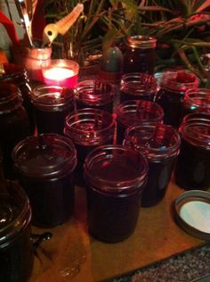 Ileana's chocolate factory. Chocolate sauce recipe for small and big batches for holiday gifting
