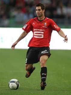 defender Rennes Carlos Bocanegra in action during the French League One  soccer match against Boulogne on Aug. 2009 in Rennes 2ba22a4194323