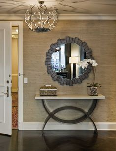Small Foyer Decorating Ideas Best Small Entryway Decor Ideas On . Foyer Design, Design Entrée, Entry Way Design, Deco Design, House Design, Design Ideas, Hall Design, Entrance Design, Light Design