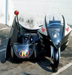 Batman 's Bike and Sidecar Batman 1966, Batman And Superman, Batman Robin, Batman Stuff, Batman Tv Show, Batman Tv Series, Batman History, Batman Pictures, Famous Cartoons