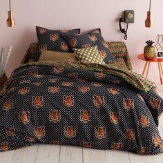 Housse de couette coton imprimé Hobbes. Pour le grand frisson, entrez dans l'univers sauvage des grands fauves : osez ce linge de lit au multiples têtes de tigre ! Deco, Comforters, Blanket, Home, Kids, Bed Ideas, Bedding, Linens, Printed Cotton