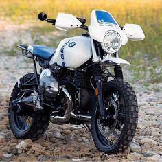 BMW R nineT battle bike built by. Bike Bmw, Moto Bike, Brat Bike, Bmw Motorbikes, Bmw Motorcycles, Cafe Racer Motorcycle, Motorcycle Design, Enduro Motorcycle, Motorcycle Luggage