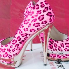 Pink cheetah print
