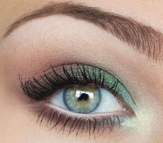 Recreated this look using Urban Decay eyeshadow in Mildew, Snakebite, and Vanilla. Came out darker, but still very pretty.