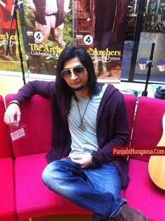 Bilal Saeed pictures By TaylorCaps Vikkee Dk & Dawood khan DK ♡ Latest Haircuts, Haircuts For Men, Uk Photos, Hair Images, Female Singers, A Good Man, New Hair, Short Hair Styles, Hair Cuts