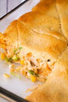 Fritos Chicken Casserole is an easy dinner recipe using precooked rotisserie chicken. This delicious casserole is loaded with shredded chicken, corn chips, green chiles and cheddar cheese then topped with Pillsbury Crescent Roll dough. Creasant Roll Recipes, Vegan Recipes Easy, Easy Dinner Recipes, Mexican Food Recipes, Diet Recipes, Easy Meals, Cooking Recipes, Recipies, Mexican Cooking