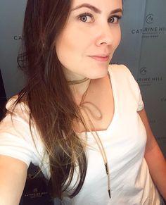 Melhor que a iluminação do espaço digital da #CatharineHill é a nova coleção. Tô doida pra testar tudo 😍 #HairBrasil2017 #makeup #MUA #GarotasConsumistas #RenataFernandes
