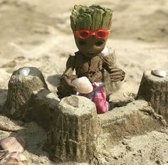 Tagged with funny, comics, aww, wow, groot; baby groot on the beach Marvel Heroes, Marvel Avengers, Flora Colossus, Realistic Cartoons, Galaxy Art, Galaxy Movie, Marvel Characters, Guardians Of The Galaxy, Comic Character