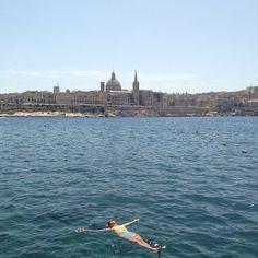 Just arrived in #Malta. This place is #surreal. #weekend #traveler #historical #Mediterranean #beach #oldandnew #travel #europe #beautiful #Valletta #Silema (at Sliema Beach)