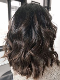 Dark brunette bayalage lob - All For Hair Color Balayage Hair Color Dark, Ombre Hair Color, Hair Color Balayage, Haircolor, Different Brown Hair Colors, Ombre For Dark Hair, Dark Fall Hair Colors, Hair Color Ideas For Dark Hair, Hair Colour Ideas For Brunettes