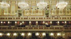 Freitag, 20.03., 20:00 Uhr – Mitte, Gendarmenmarkt: Glitzerglamour im Konzerthaus. © Charlott Tornow