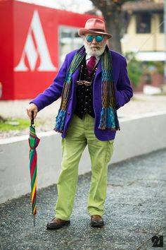 These are NOT street style shots of Wanny Antonio Di Filippo Hipster Grunge, Grunge Goth, Old Man Fashion, Look Fashion, Mens Fashion, Street Style Vintage, Advanced Style, Over The Top, Aged To Perfection
