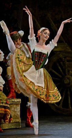 Coppelia - Photo Dave Morgan (via Tijana Cajetina, Dance like nobody's watching) Theatre Costumes, Tutu Costumes, Ballet Costumes, Ballerina Dancing, Ballet Tutu, Ballet Dancers, Ballet Music, La Bayadere, Baile Latino