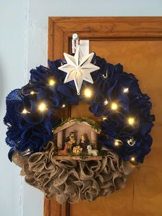 Check out our pick of Christmas door decorations! We have all sorts of Christmas door wreaths, so you will definitely be able to find the best one. Outdoor Christmas, Winter Christmas, Christmas Ornaments, Prim Christmas, Ornaments Ideas, Christmas Island, Christmas Vacation, Handmade Christmas, Corner Christmas Tree