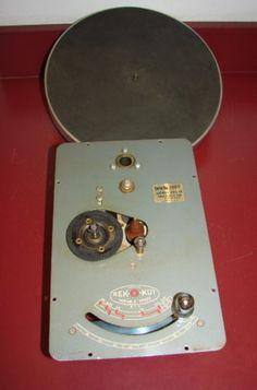 Rek-O-Kut-CVS-12-Phonograph-Turntable-with-Variable-Speed-Motor-Clean
