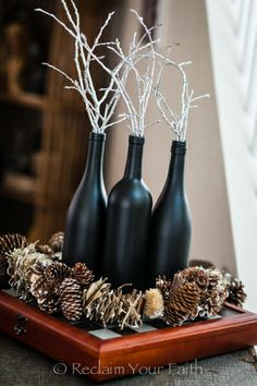 Chalkboard paint on a wine bottle! Wine Bottle Corks, Wine Bottle Crafts, Farm Crafts, Home Crafts, Diy Arts And Crafts, Diy Crafts, Navidad Simple, Chalkboard Paint, Chalkboard Drawings