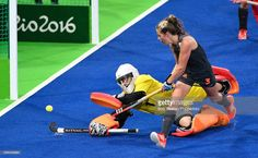 Goalkeeper Maddie Hinch of Great Britain makes a save from Xan de Waard of the Netherlands during the Women's Hockey Gold medal match between The Netherlands and Great Britain on Day 14 of the Rio 2016 Olympic Games held at the Olympic Hockey Centre on August 19, 2016 in Rio de Janeiro, Brazil. (Photo by Bob Thomas/Popperfoto/Getty Images).