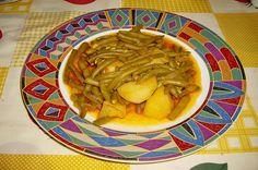 Un preparat tradiţional şi simplu, dar atât de gustos şi sănătos, găteşte şi tu mâncare de fasole verde păstăi! Vezi mai jos reţeta! I-ai mai adăuga ceva Guacamole, Hummus, Toast, Mexican, Ethnic Recipes, Mai, Food, News, Green