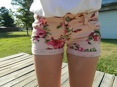 floral shorts. ♡ I found the perfect shorts that i'm looking for in Bench it's a tribe printed shoprts