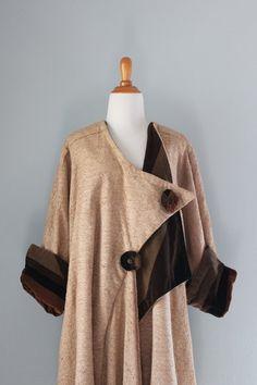 Coat & Vintage Cocoon Coat & Bauhaus Coat by HolliePoint 1940s Fashion, Vintage Fashion, Cocoon Coats, Art Deco Clothing, 1920s Clothes, Vintage Dresses, Vintage Outfits, 1920s Outfits, Flapper Style