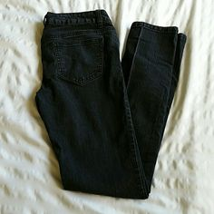 Black/Dark Grey Skinny Wax Jean brand Jeans Slightly faded style Black/Dark Grey Skinny Jeans by Wax Jean brand jeans. Super comfy skinny jeans with a lot of stretch, these are worn in just enough so they feel like pajamas going on, but they look like new! Size 7, juniors. Wax Jeans   Pants Skinny