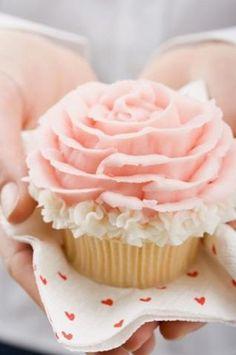 * Valentine's day rose cupcake