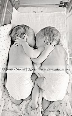 Copyright Jessica Strom Photography, www.jessicastrom.net Newborn preemie twin boys/brothers in the NICU